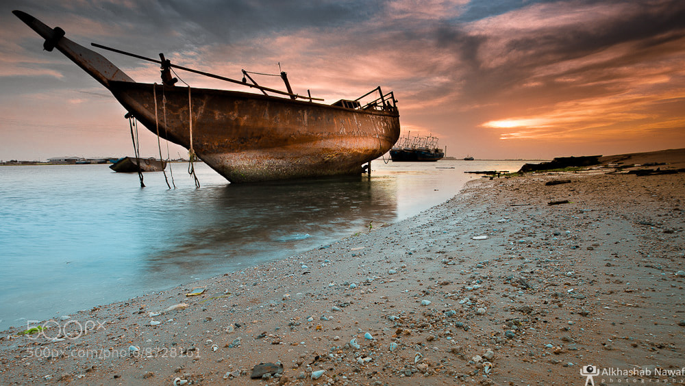 Photograph An old Boat in Doha Port! by Nawaf Alkhashab on 500px