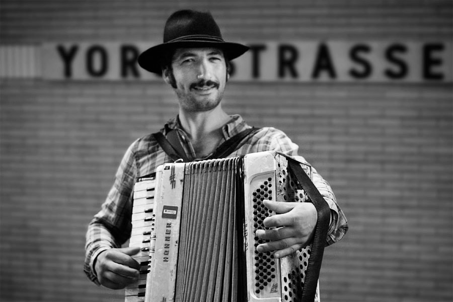 Photograph Accordionist by Lars Lehmann on 500px