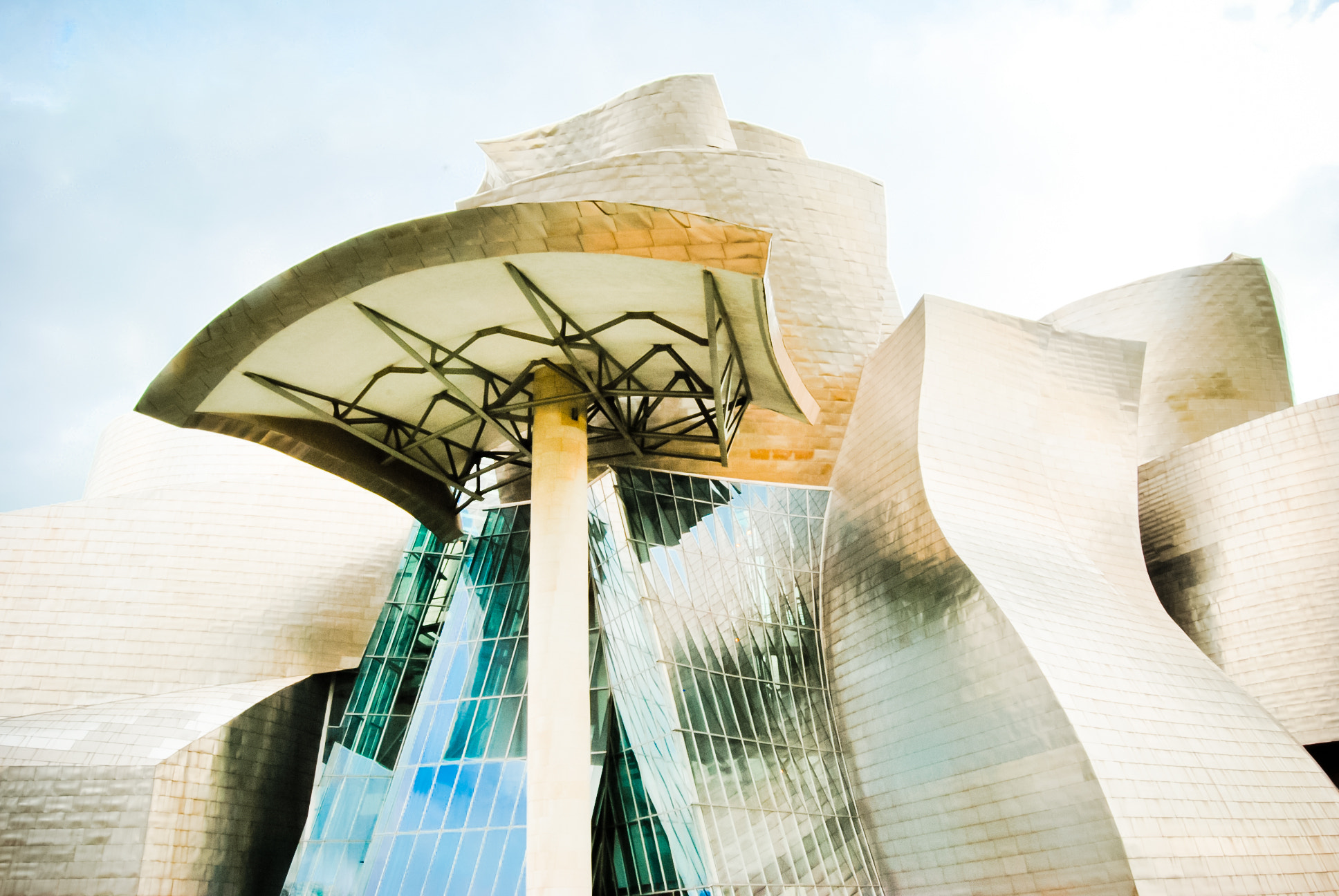 Photograph The Guggenheim Museum, Bilbao by Christine M on 500px