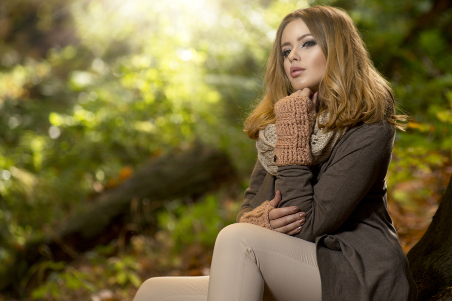 Beautiful elegant woman in park - autumn