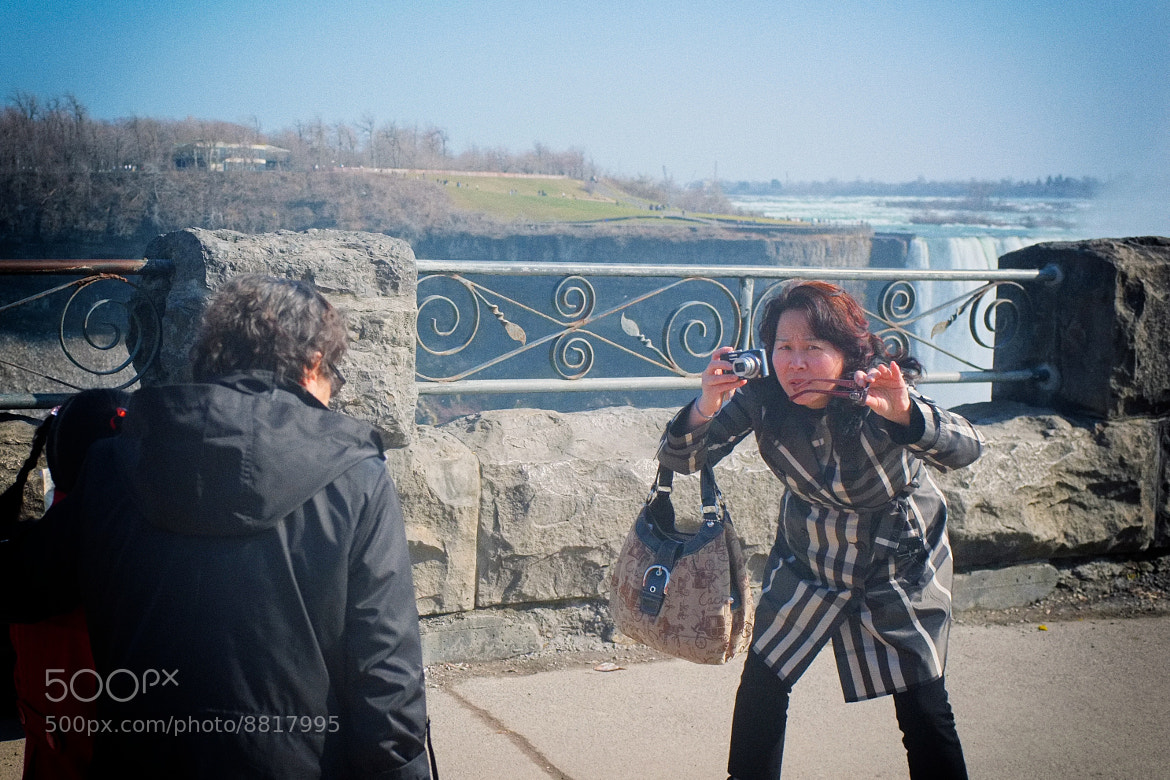Photograph tourists (2): the photographer by Leo Ching on 500px