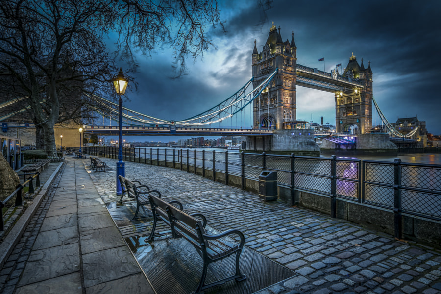 Photograph Early morning in London by Shooting Mad  on 500px