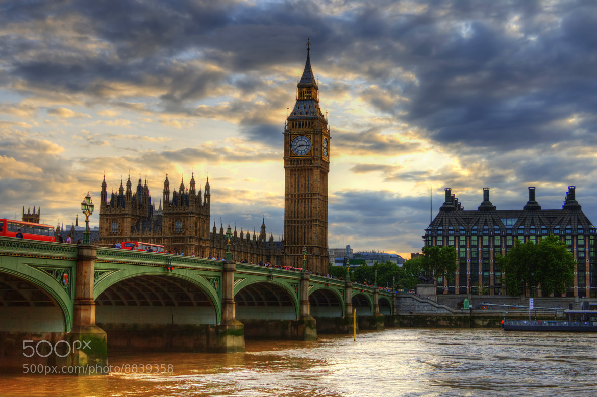 Photograph Dramatic London by Francesco Riccardo Iacomino on 500px