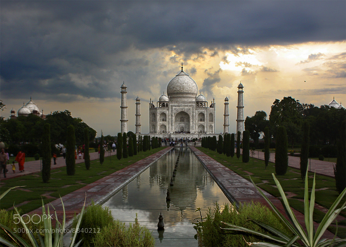Photograph Taj Mahal by Jesús Sánchez Ibáñez on 500px