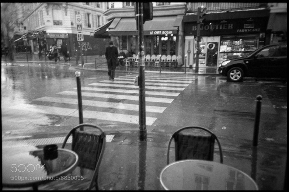 Photograph homme traversant la rue n ° 2 / the crossing by Lara Kantardjian on 500px