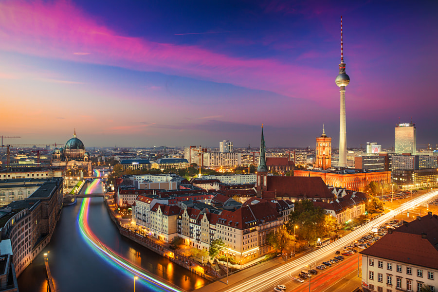 Dancing Lights in Berlin by İlhan Eroglu on 500px.com