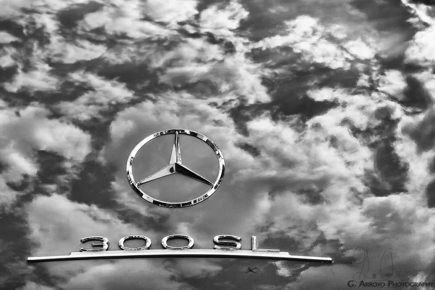 Photograph A 300 SL, the sky and a plane. by Giovanni Arroyo on 500px