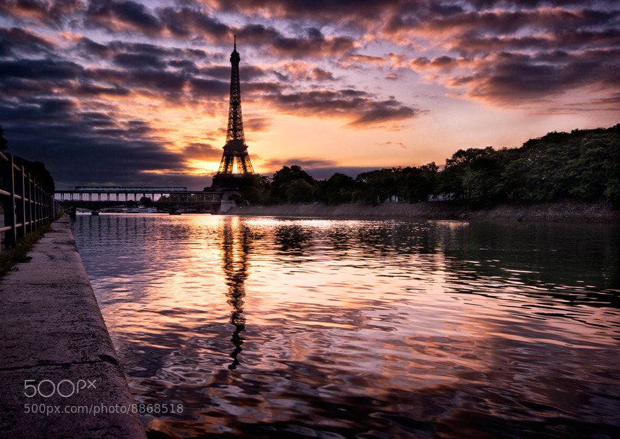 Photograph La Seine vers 5h45 by Oliver Hermann on 500px