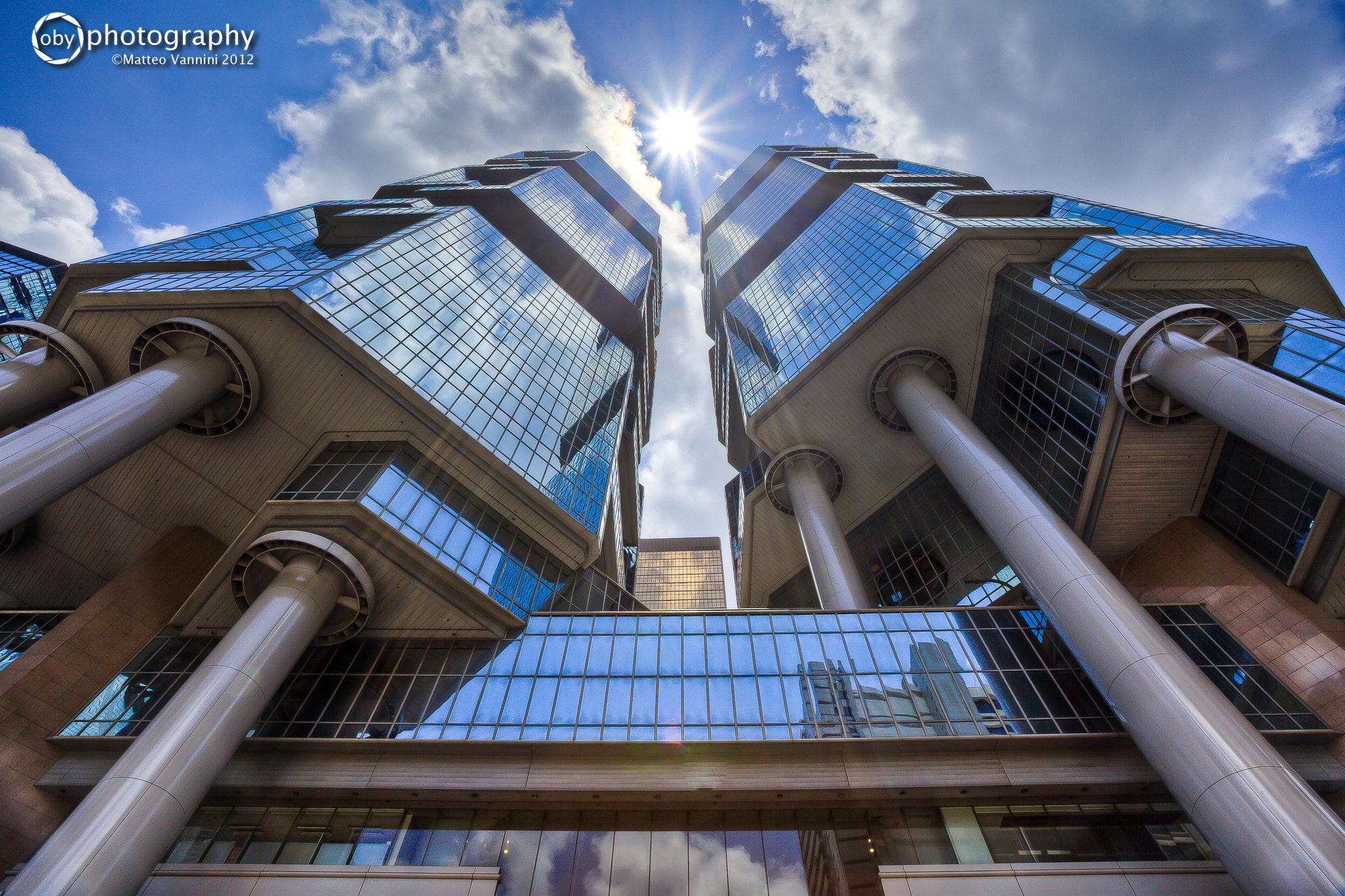 Photograph Lippo Center - Admiralty - Hong Kong by Matteo Vannini on 500px