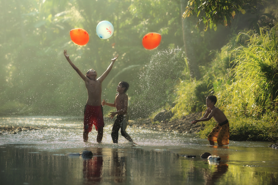 Photograph playing baloons by taufik sudjatnika on 500px