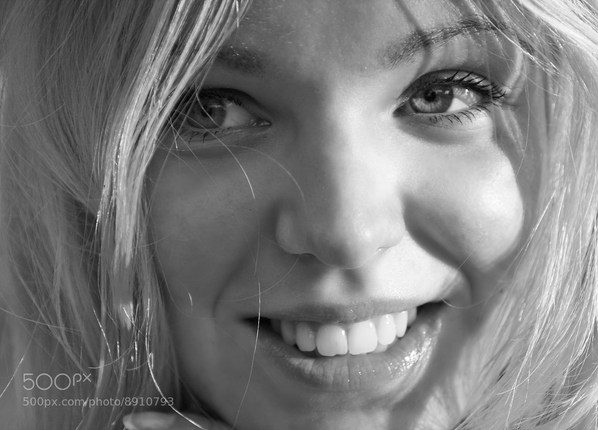 Photograph Sweetest girl by Victor castillo on 500px