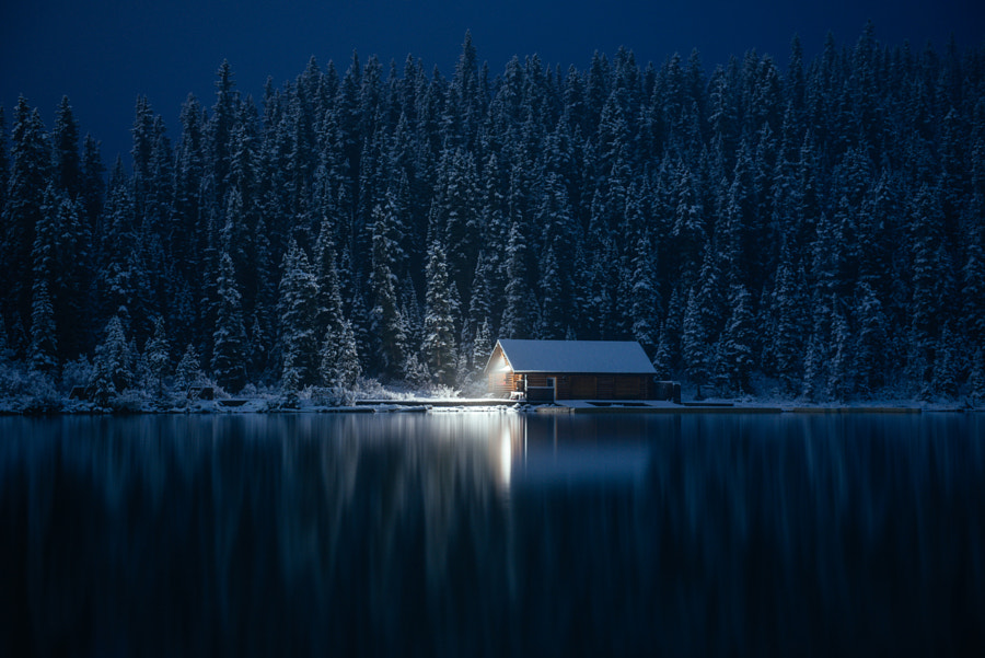 Cabin by the lake by Steve Alkok on 500px.com