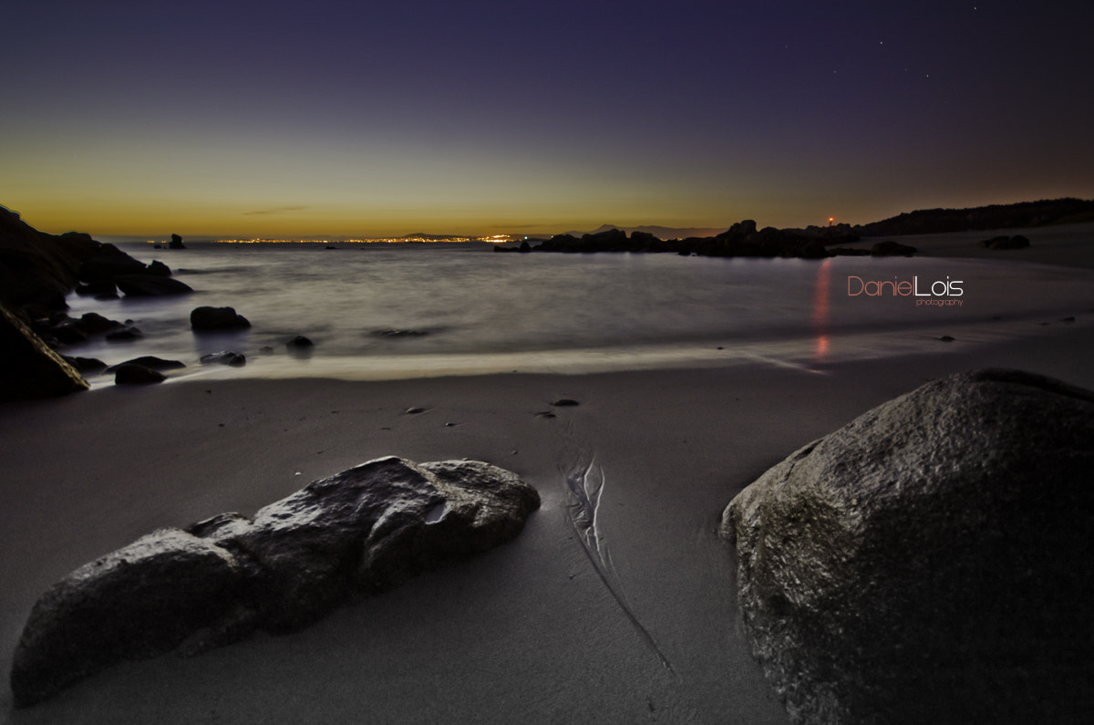 Photograph Con Negro Beach at night (O Grove Pontevedra) by Daniel Lois on 500px