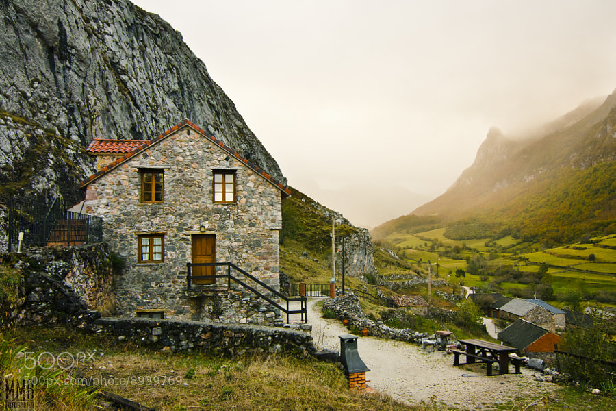 Photograph The house of the valley by MMB Fotografía  on 500px