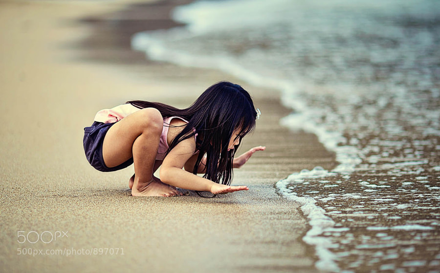 kid by the sea by Ian Taylor (koknia)) on 500px.com