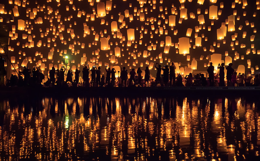 Yi Peng festival in Chiang Mai, Thailand by Beboy Photographies on 500px.com