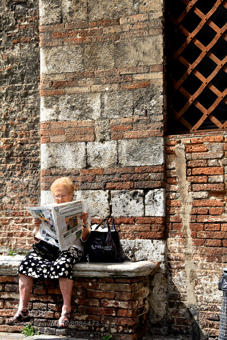 Photograph Reading by Vilana Xavier on 500px