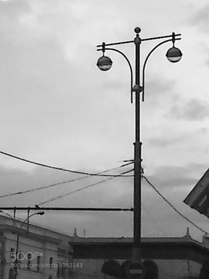 Flashlight near the station by Victor K. Zhuravlev (ViZhuK) on 500px.com