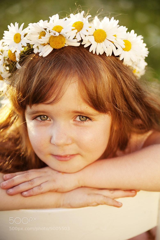 Photograph daisy girl by Alena Kycher on 500px