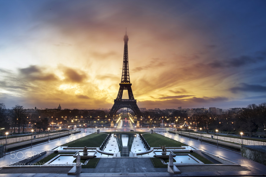 Photograph Paris, the city of lights by PUNTO  Studio foto  on 500px