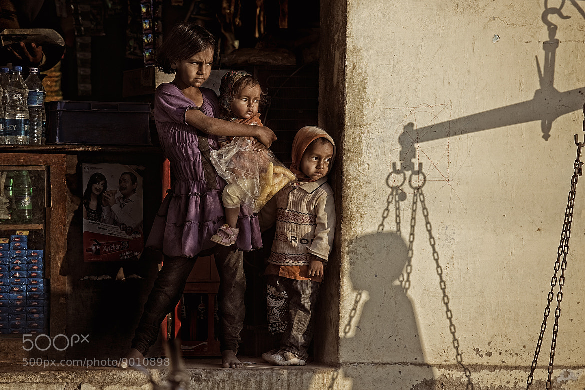 Photograph siblings by Yaman Ibrahim on 500px