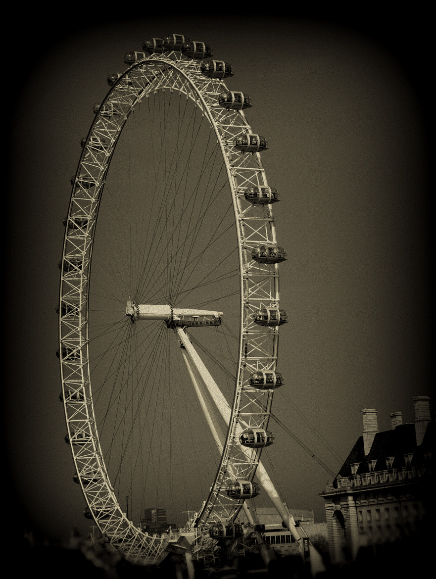 Photograph London Eye by Nam Hoang on 500px