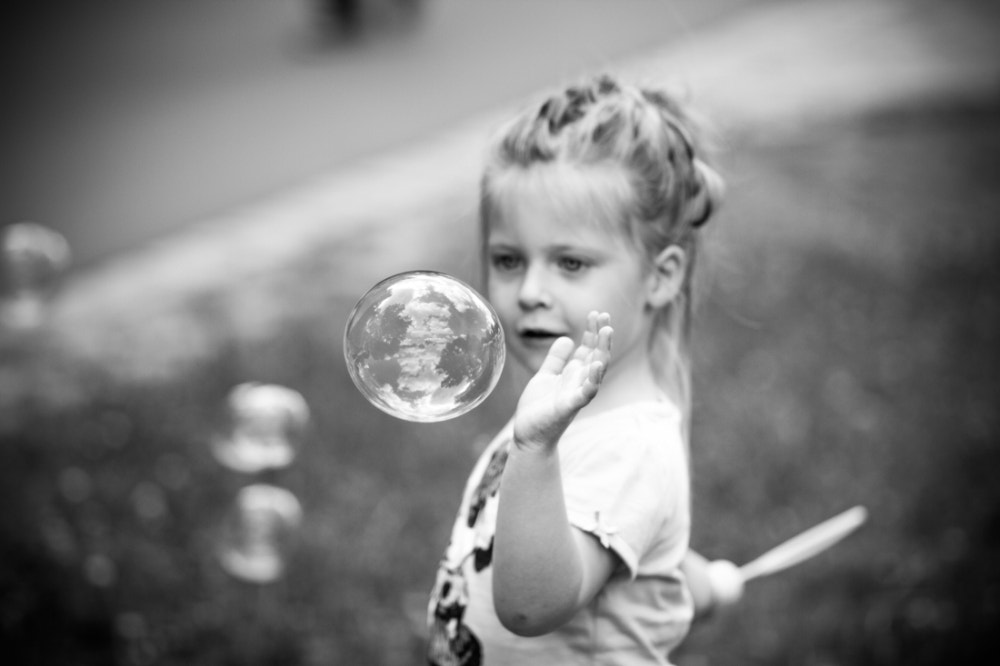 Photograph Frieda and the bubble by Stefanie Seelhof on 500px