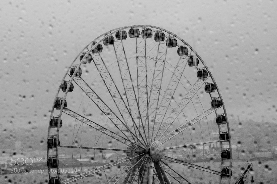 Photograph Seattle Ferris Wheel by Chad Estes on 500px