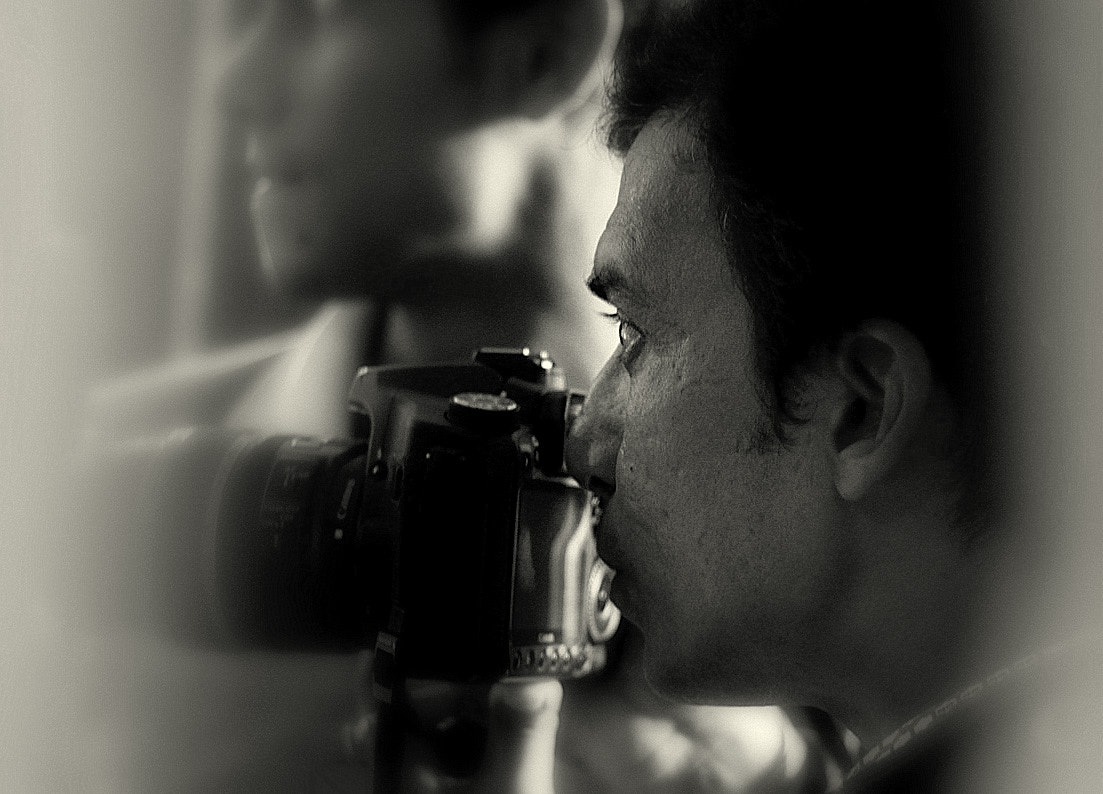 Photograph The concentration of a photographer by Samrat  Mukhopadhyay on 500px