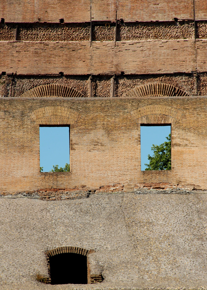 Photograph Even THE COLISEUM was shocked by what he saw there. by Flavia Leite on 500px