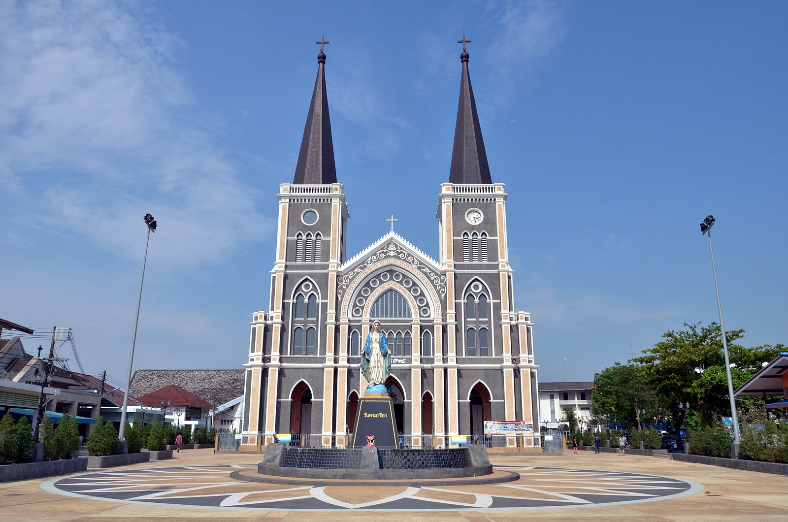 Photograph Church of Christ by Kunrapee Puangthong on 500px