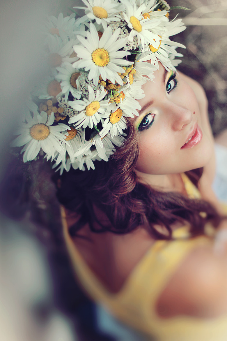 Photograph Daisy girl by Olga Palet on 500px
