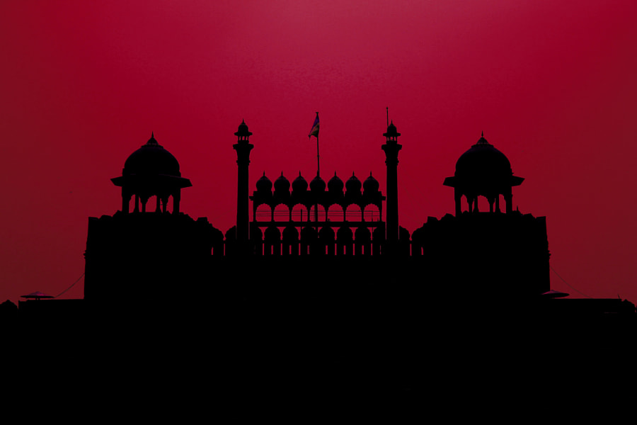 Photograph Red n'Fort by Karan Luthra on 500px