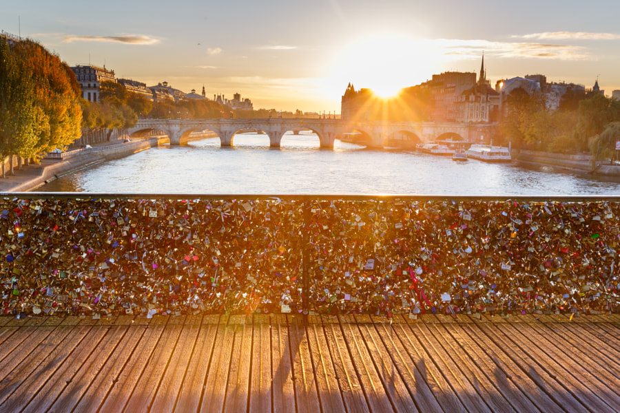 Sunrise in Paris on Pont des Arts