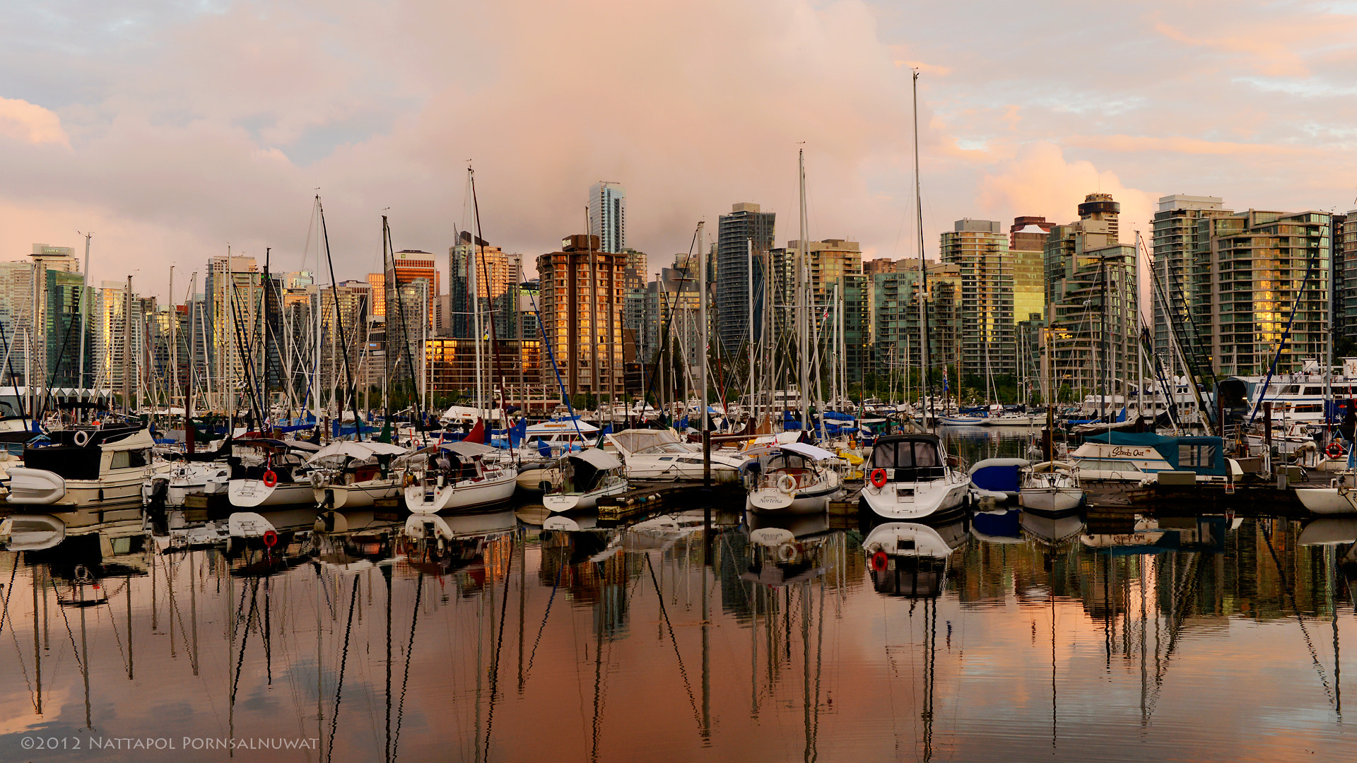 Photograph Coal Harbour by Nattapol Pornsalnuwat on 500px