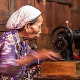Onthel ( Sewing Machine Onthel ) by Rose Kampoong (Rosekampoong)) on 500px.com