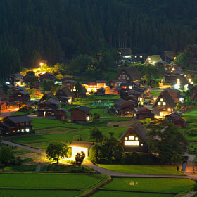 Shirakawa-go in the night by MIYAMOTO Y (MIYAMOTO_Y)) on 500px.com