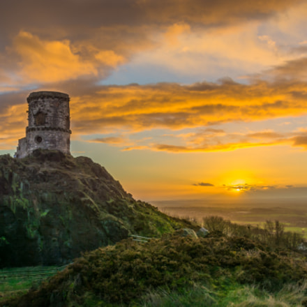 Mow Cop Castle in sunset