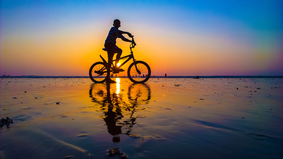 Photograph Sunset fun by Husain Ujjainwala on 500px
