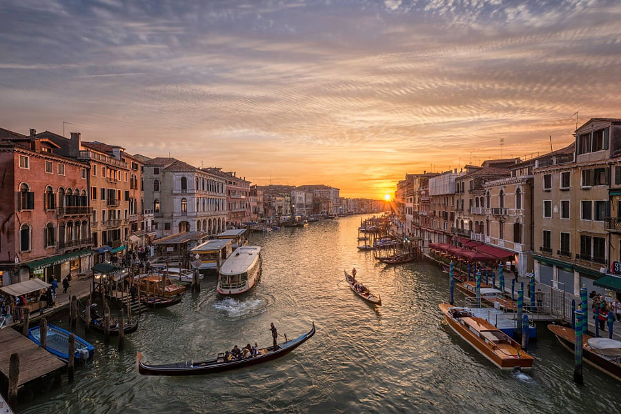 Photograph A Venice sunset from the Rialto by Fabrizio Arata on 500px
