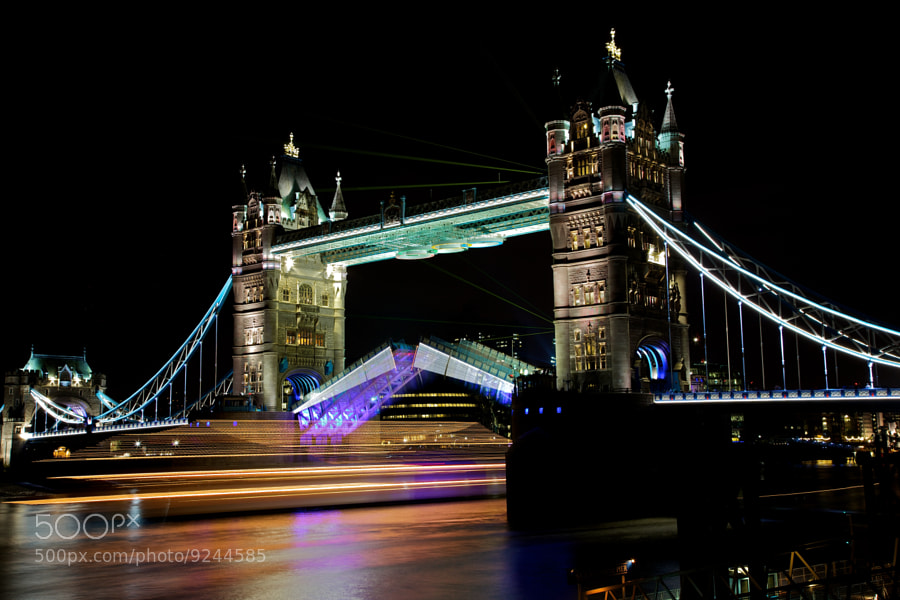 Photograph Tower Bridge a bit different ... by Christophe Pfeilstücker on 500px