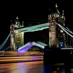 Tower Bridge a bit different ... by Christophe Pfeilstücker (xris74)) on 500px.com