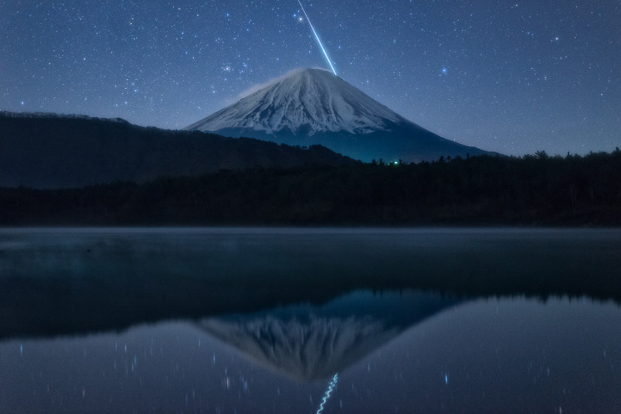 Stunning Moment (Fuji & Meteor) by Yuga Kurita on 500px.com