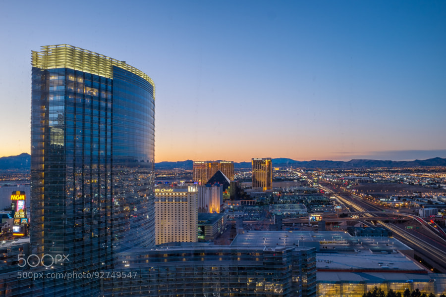 Las Vegas Nightcrawl by tamagna