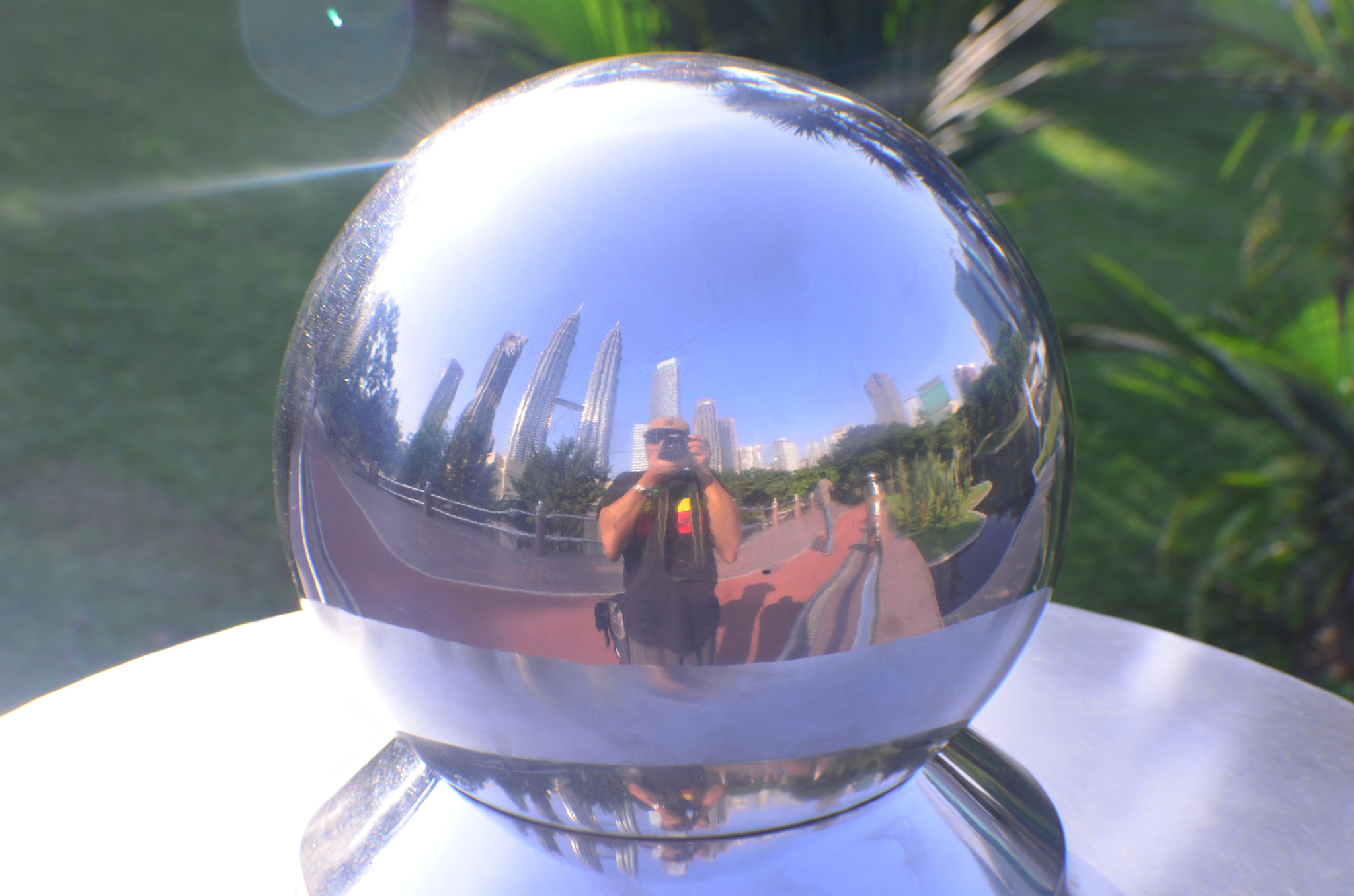 Photograph INSIDE MY CRYSTAL BALL by ROBERT JR ANOC on 500px