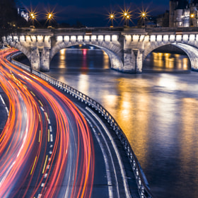Seine's beams of light by Arnaud Dorange