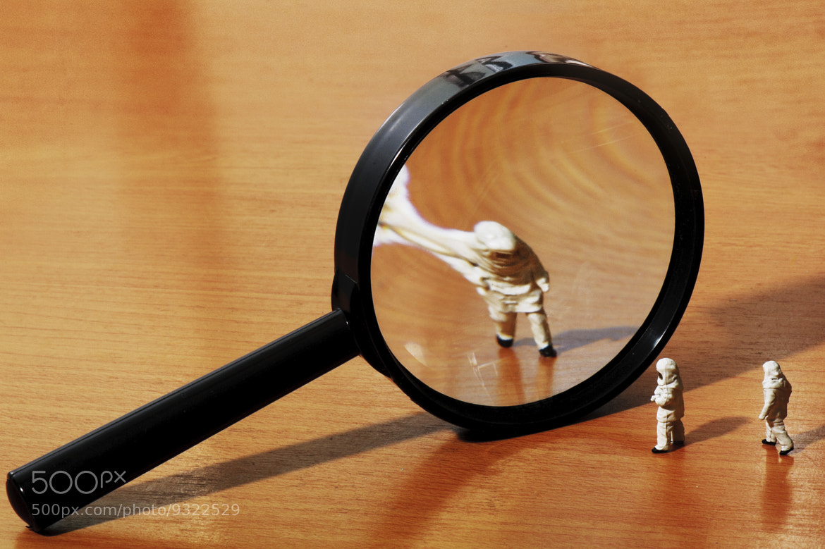 Photograph Magnifier by Thomas Kar on 500px