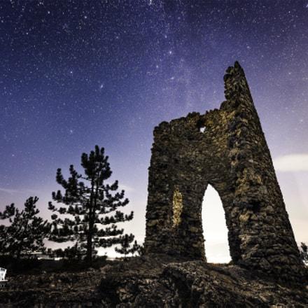 Night sky over ruin