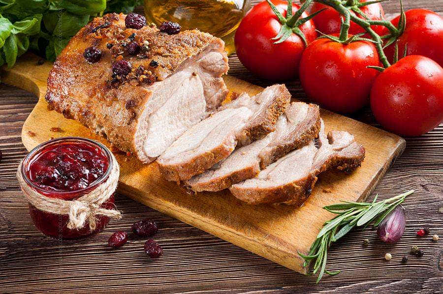 Roasted pork loin with cranberry and rosemary by Kamil Zabłocki on 500px.com