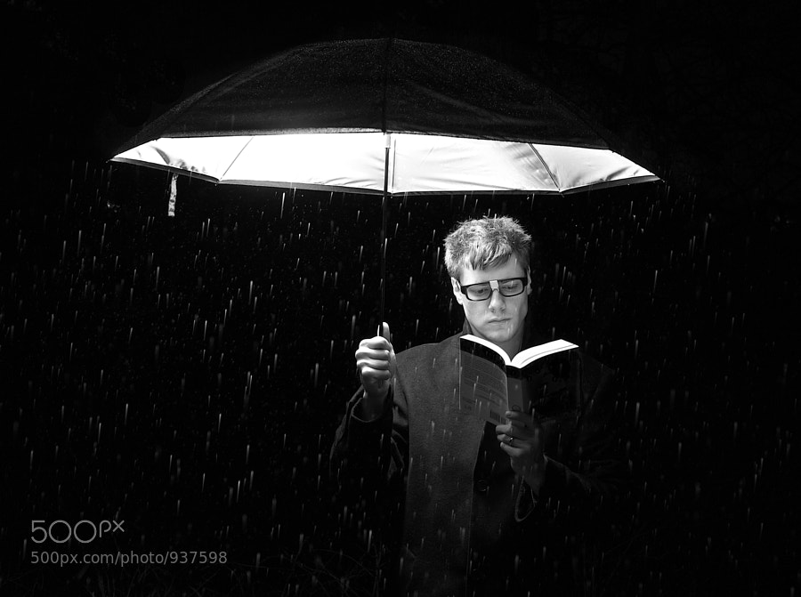 Light Reading by Ryan Pendleton (Pichead) on 500px.com